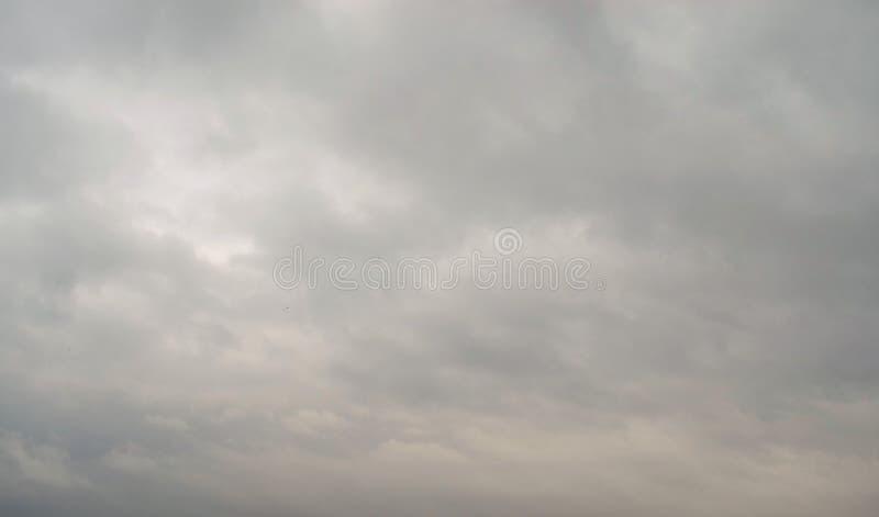 Überwendlingsnaht des bewölkten Himmels lizenzfreies stockfoto