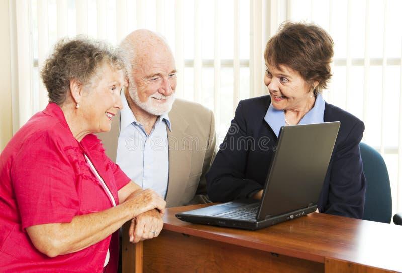 Überzeugende Verkaufs-Frau stockfoto