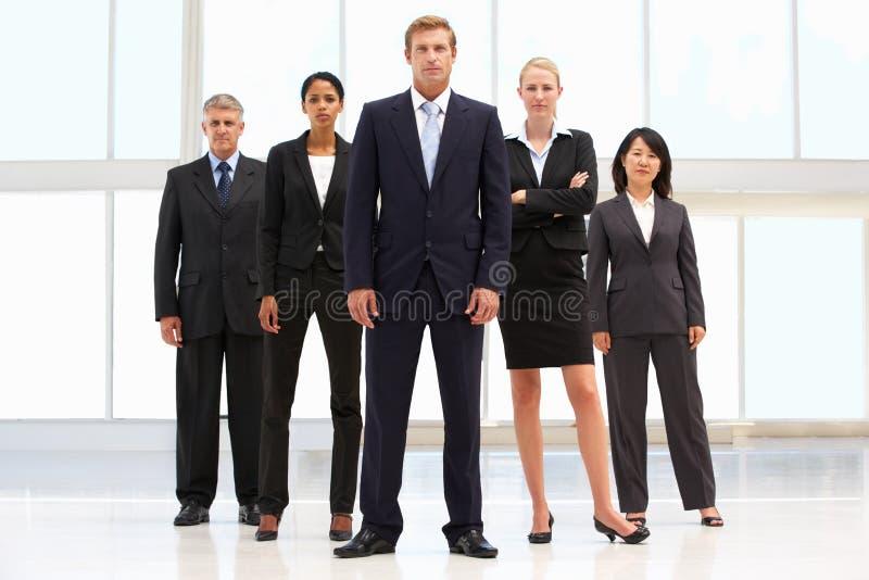 Überzeugte Geschäftsleute stockfotos
