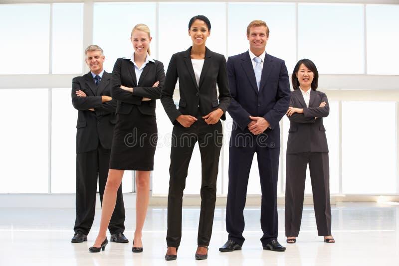 Überzeugte Geschäftsleute stockfoto