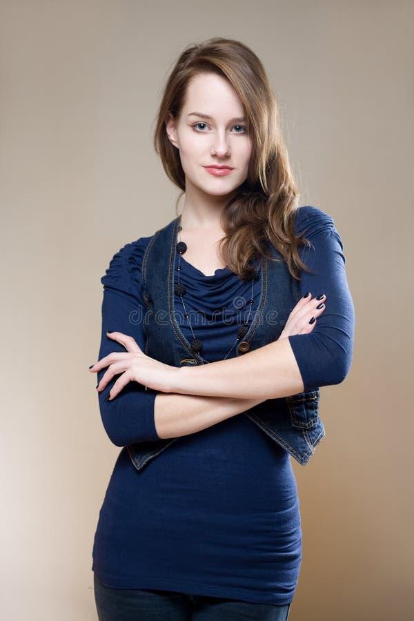 Überzeugte junge Frau. stockbilder