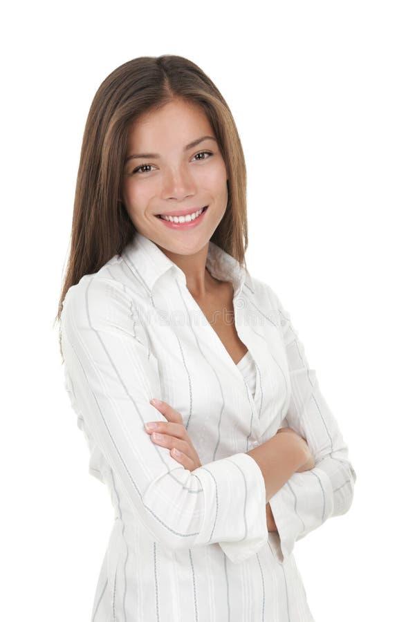 Überzeugte junge lächelnde Geschäftsfrau stockfoto