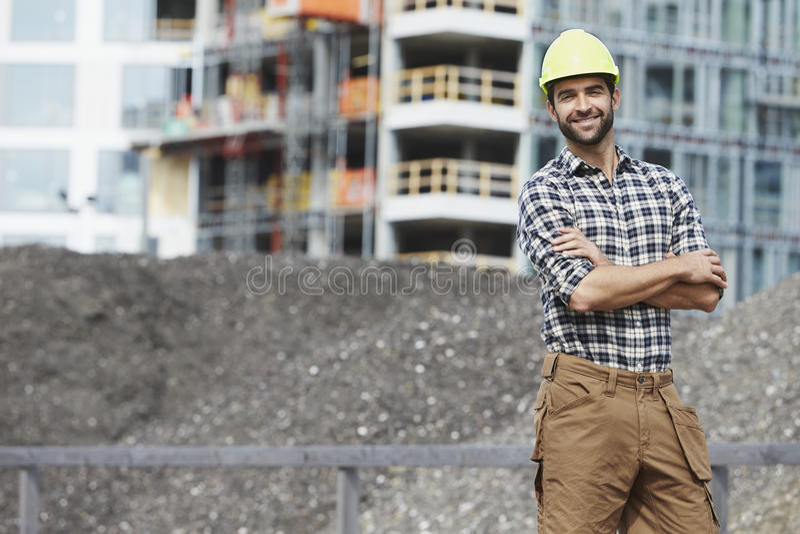 Überzeugter Bauarbeiter stockfoto