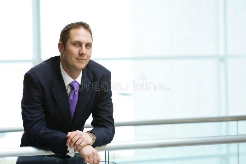 Überzeugter Geschäftsmann stockfotos