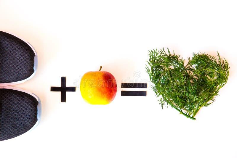 Übung mit guter Essgewohnheitsführung zu einem gesunden Lebensstil stockfotos