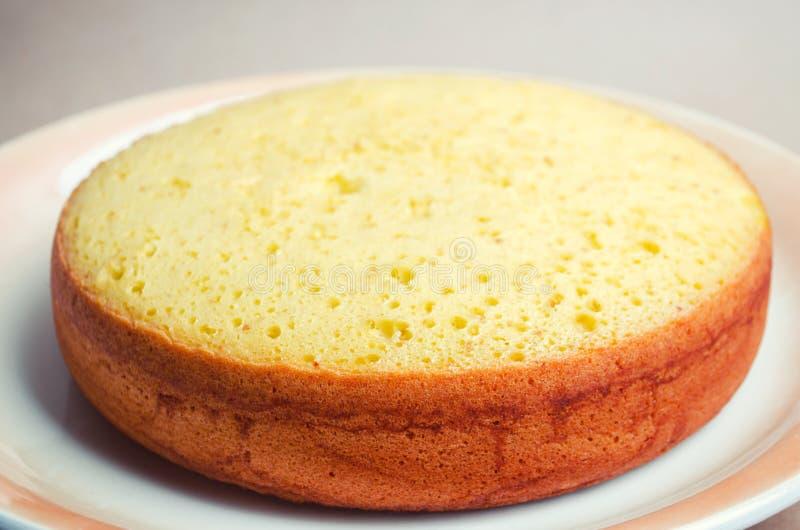 Üppiger und hoher klassischer Kekskuchen, Billet für einen Kuchen Torte, selbst gemachte Kuchen, zu bestellen Kuchen stockfotos