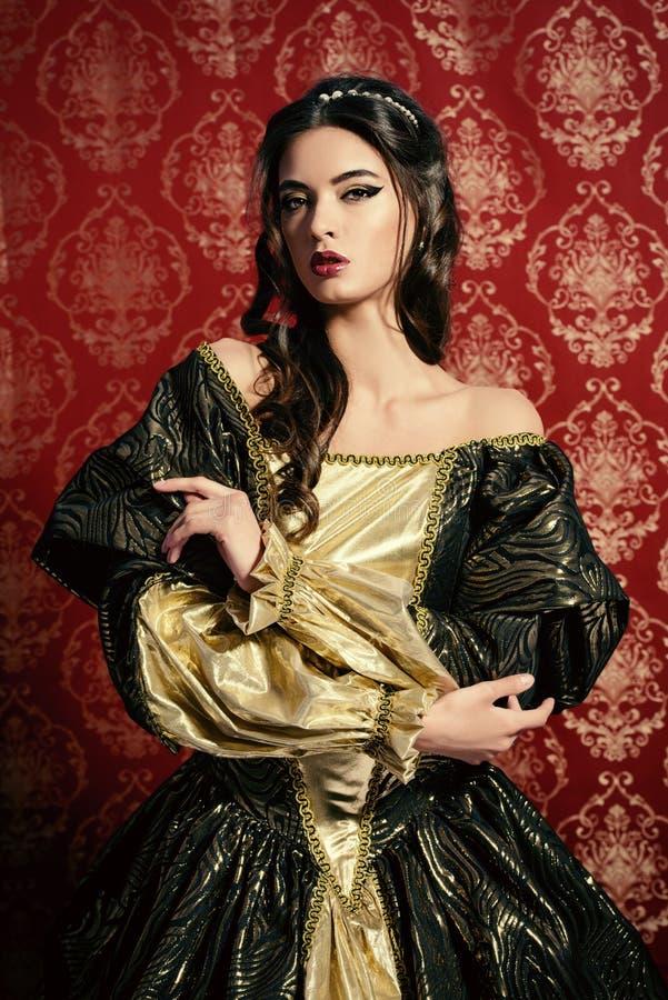 Üppiges Kleid lizenzfreies stockfoto