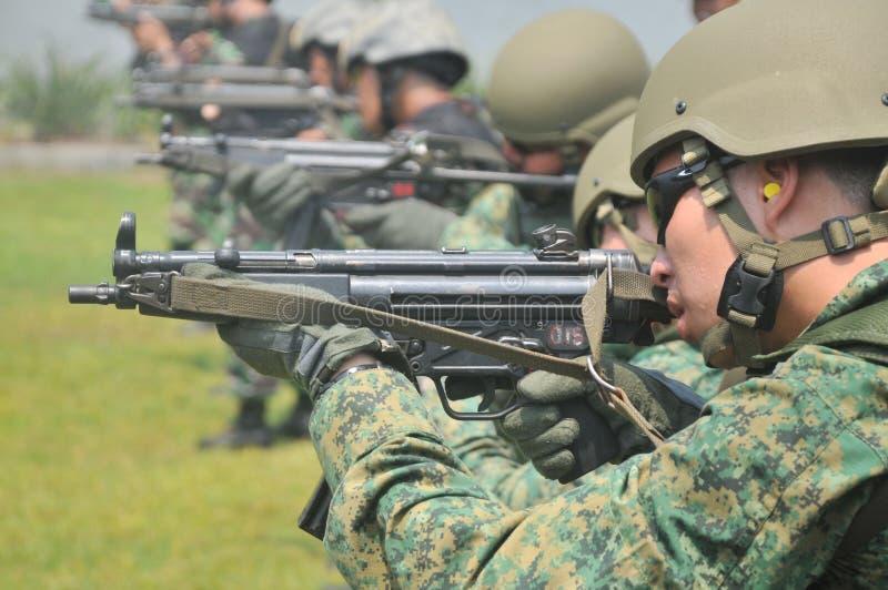 Ćwiczenie jednostki Morska Nurkowa republika Singapur marynarka wojenna i TNI-AL Kopaska (NDU) (RSN) obraz stock