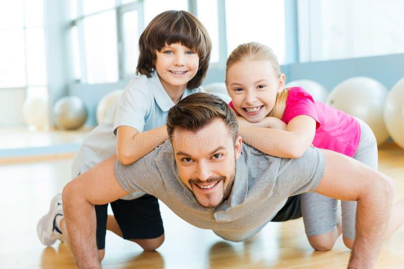 Ćwiczyć z ojcem zdjęcie royalty free