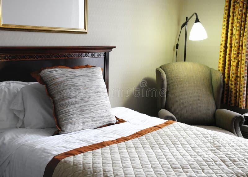 łóżkowy pokój hotelowy zdjęcia royalty free