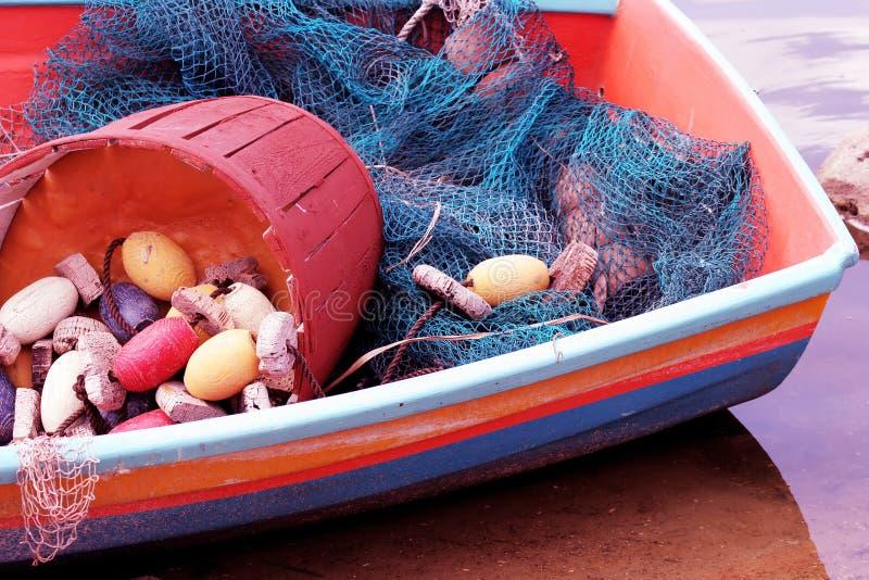 Download łódź. obraz stock. Obraz złożonej z barwiony, farba, chwyt - 136275