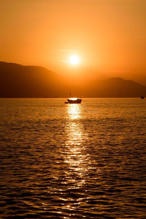 Łódź rybacka w słońcu fotografia stock