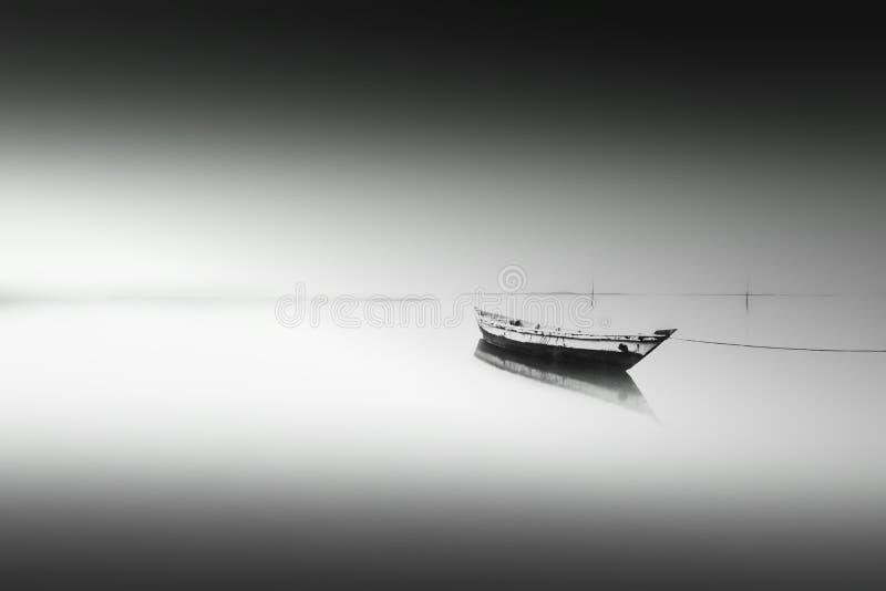 łódź samotna zdjęcie royalty free
