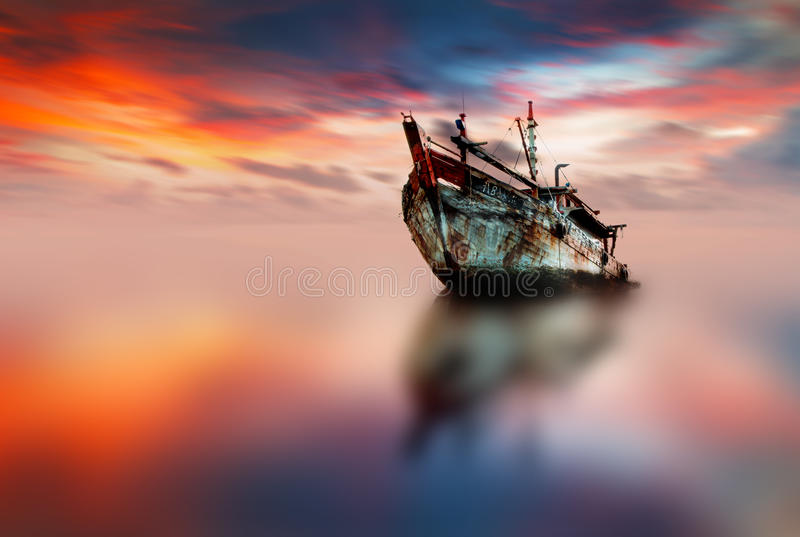 łódź samotna zdjęcie stock