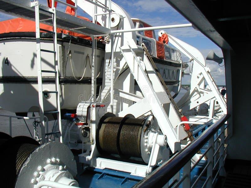 Download łódka życia zdjęcie stock. Obraz złożonej z przekładnie - 125536