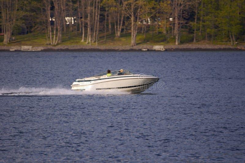 łódka jeziora zdjęcia stock