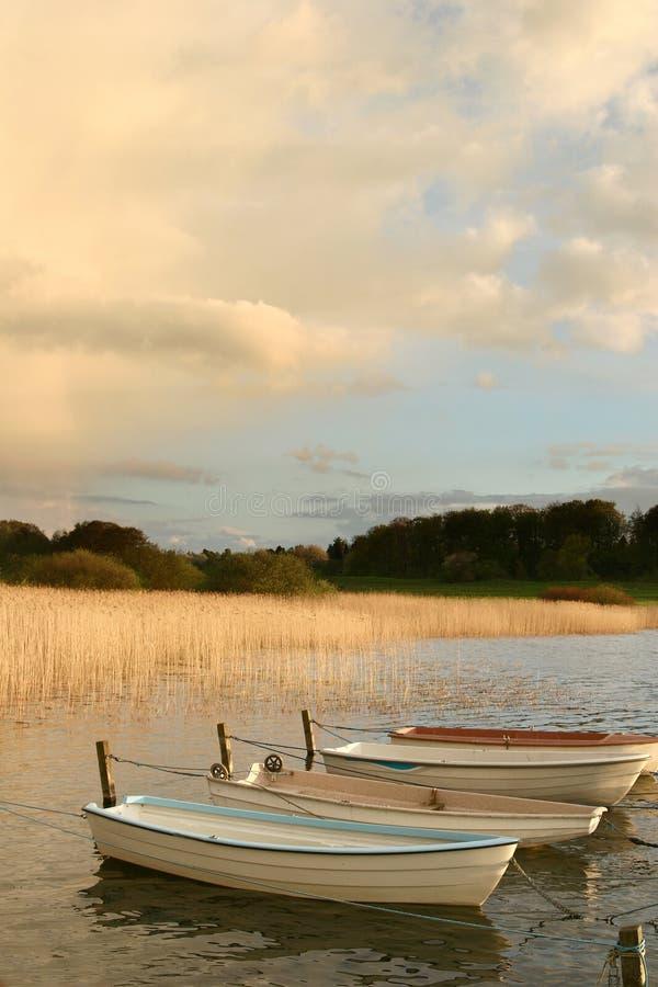 łódka jeziora fotografia stock