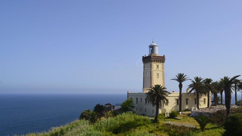 Łódkowata latarnia morska na granicie między Africa i Europe śródziemnomorskim i atlantyckim fotografia royalty free