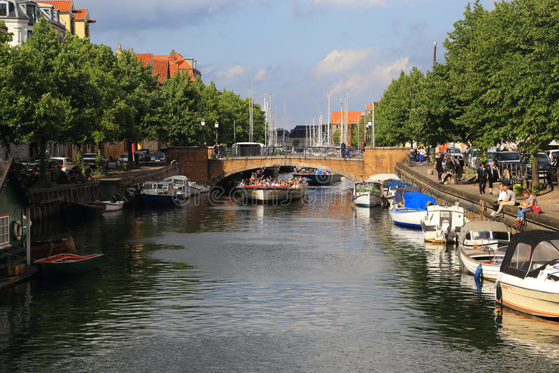 Łódkowata wycieczka przez Kopenhaga zdjęcia royalty free
