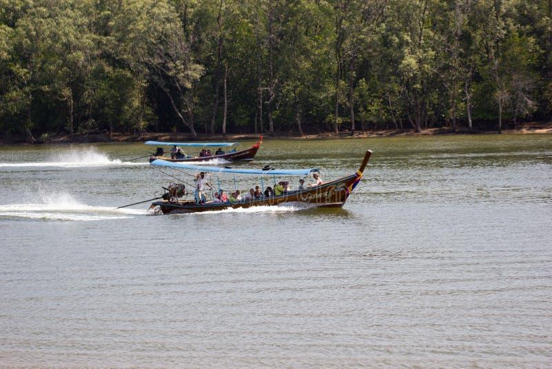 Łódkowata wycieczka turysyczna Phang Nga wiele atrakcje turystyczne obraz stock