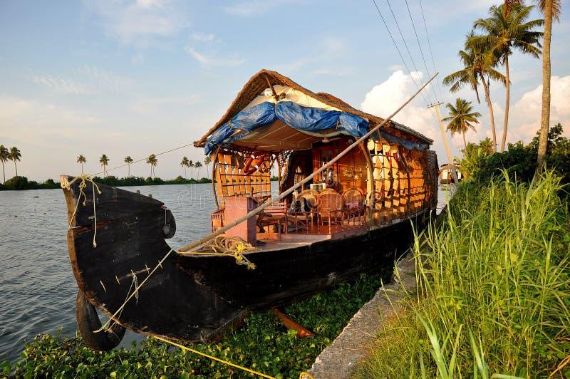 Łódkowaty dom dokujący obrazy royalty free