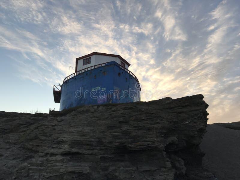 Łódkowaty dom i nadmorski plaży krajobraz w Chile obraz royalty free