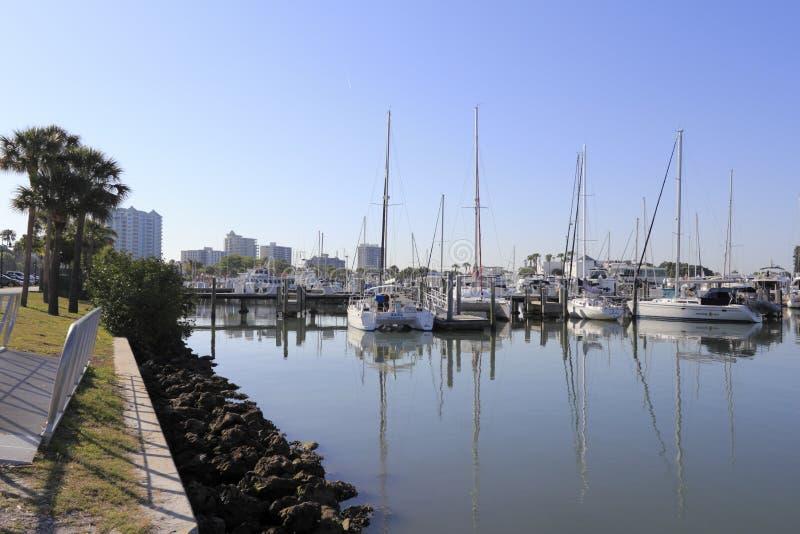 Łódkowaty zatoczki śródmieście Sarasota zdjęcie stock