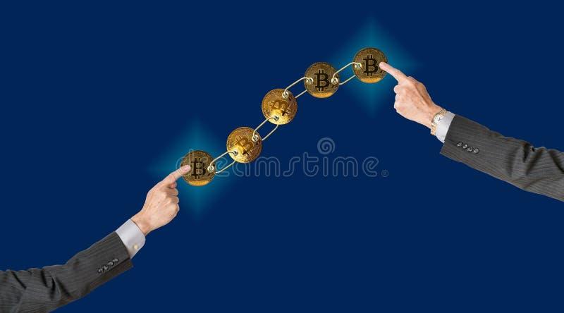 Łączący bitcoins z błękitnym tłem dla blockchain obraz royalty free