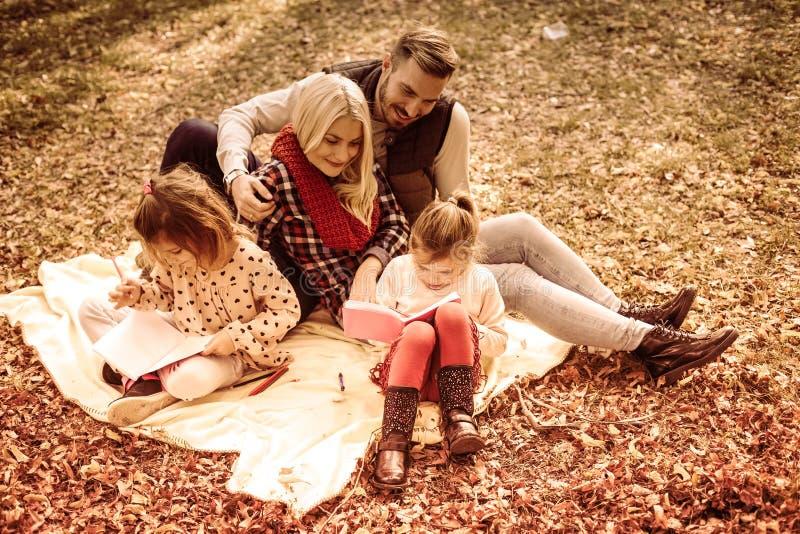 Łączny jesień dzień dla edukaci zdjęcie royalty free