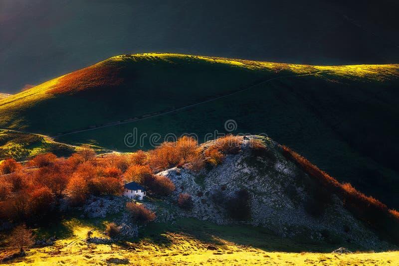 Łąki w Austigarmin z pięknym światłem fotografia royalty free