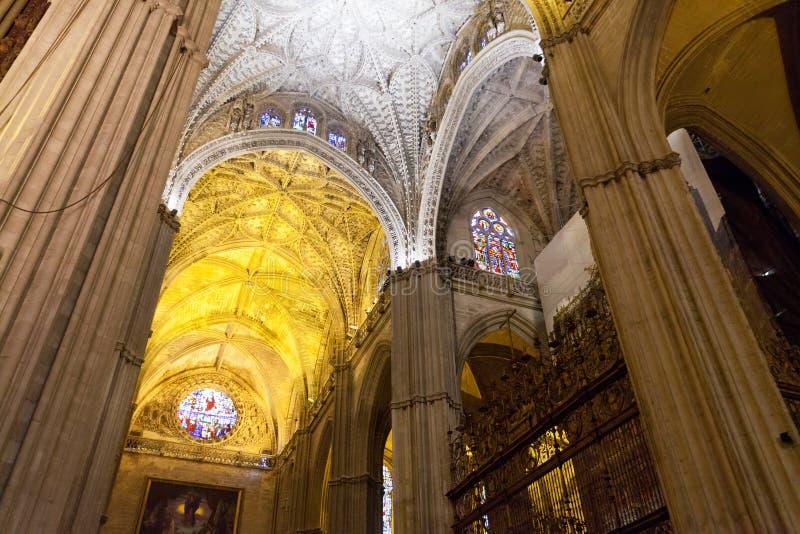 łękowaty katedralny wewnętrzny perspektywiczny widok obrazy royalty free