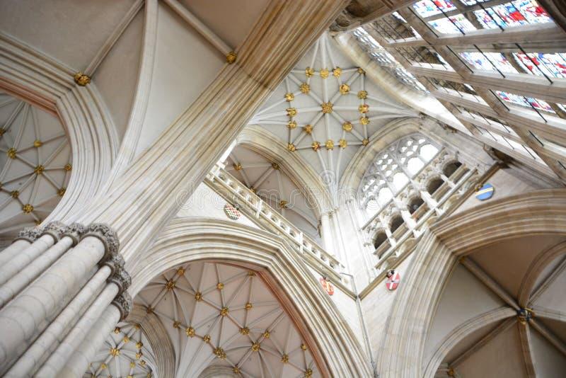 łękowaty katedralny wewnętrzny perspektywiczny widok obraz royalty free