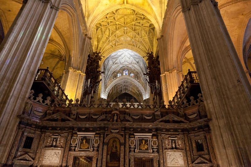 łękowaty katedralny wewnętrzny perspektywiczny widok Sevilla obrazy royalty free
