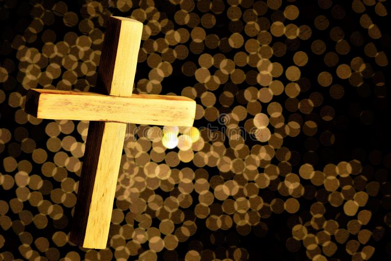 Łaciński krzyż, religijny atrybut, geometryczny kształt W wiele wiara niedźwiedzi sakralnym sensie Krzyż wyraża jedność obraz royalty free