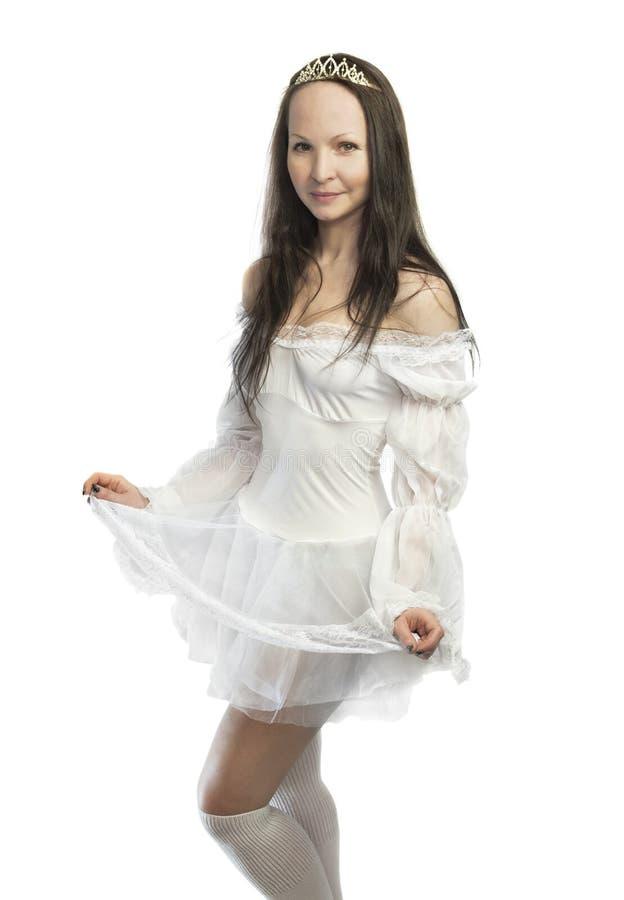 Ładna dziewczyna w białej princess sukni zdjęcie royalty free