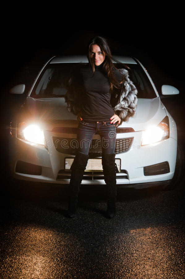 ładna frontowa samochód dziewczyna obraz royalty free