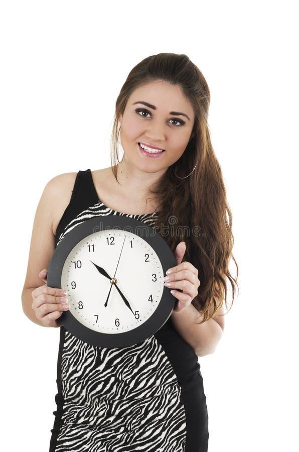 Ładna młoda latynoska dziewczyna trzyma czarnego round obrazy stock