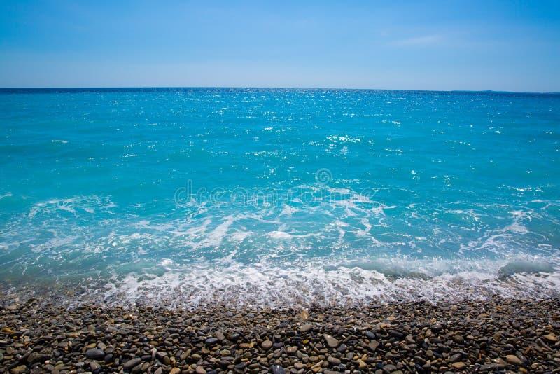 Ładna, piękna plaża, ` Azur, Francuskiego Riviera, Cote d, lub wybrzeże A zdjęcie royalty free