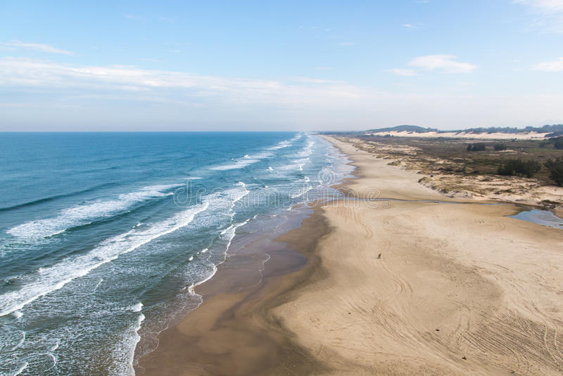 Ładna plaża w Torres, rio grande robi Sul, Brazylia zdjęcie stock