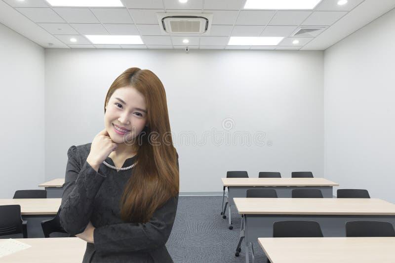 Ładne Azjatyckie biznesowe kobiety zdjęcia stock