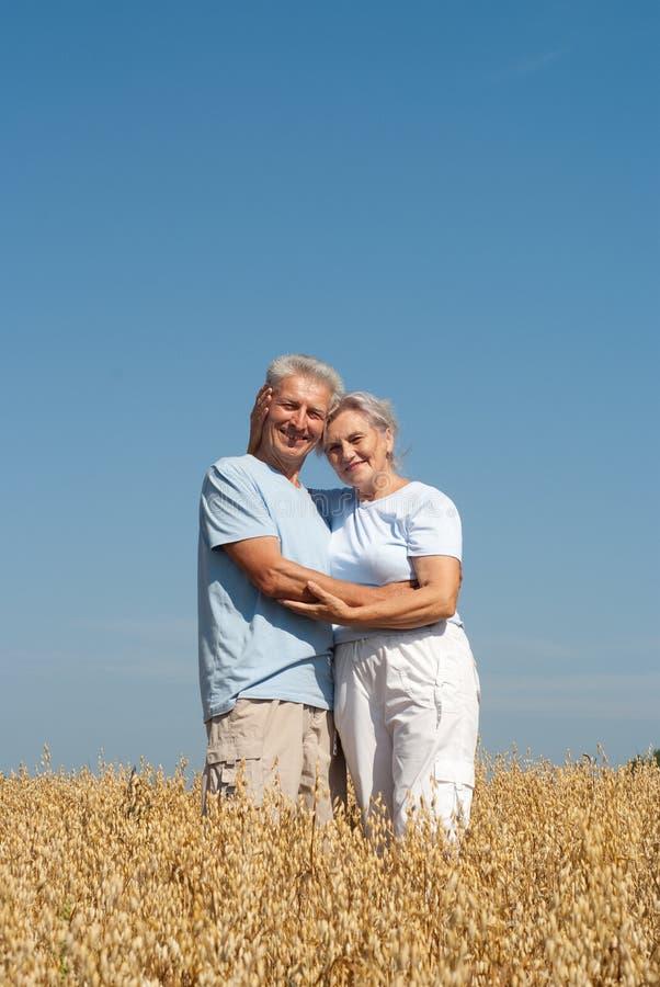 ładne par starsze osoby zdjęcia royalty free