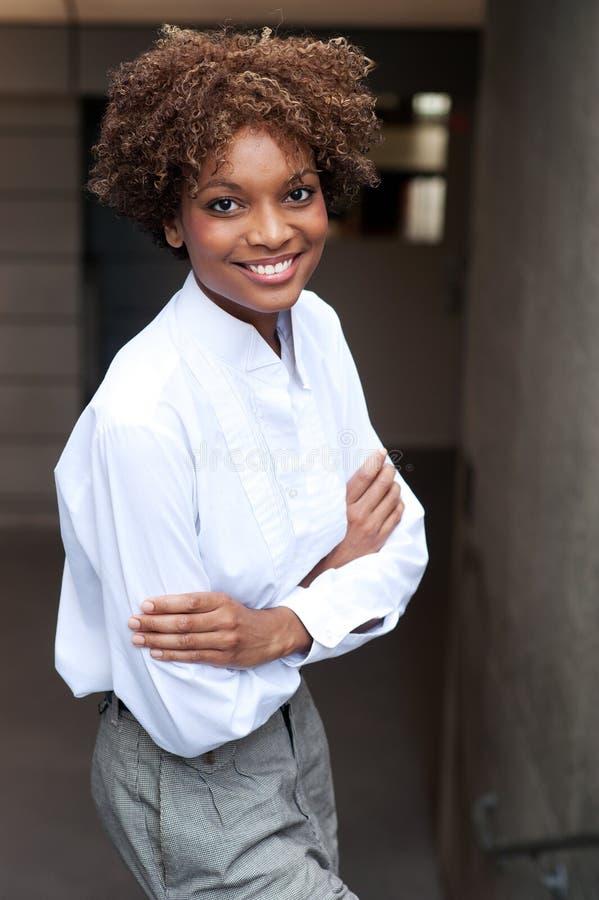 ładny Amerykanin afrykańskiego pochodzenia kierownictwo zdjęcia royalty free