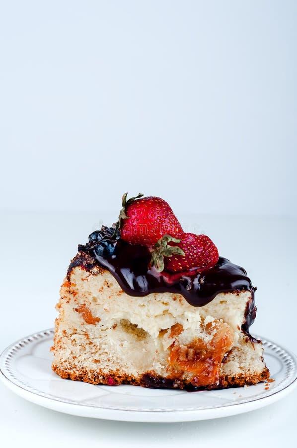 Ładny cheesecake na talerzu zdjęcia stock