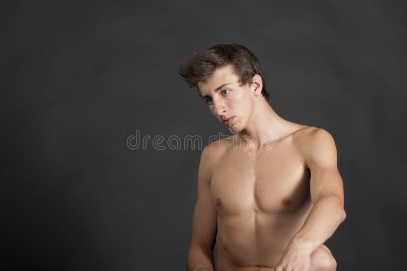 Ładny młody człowiek obrazy stock