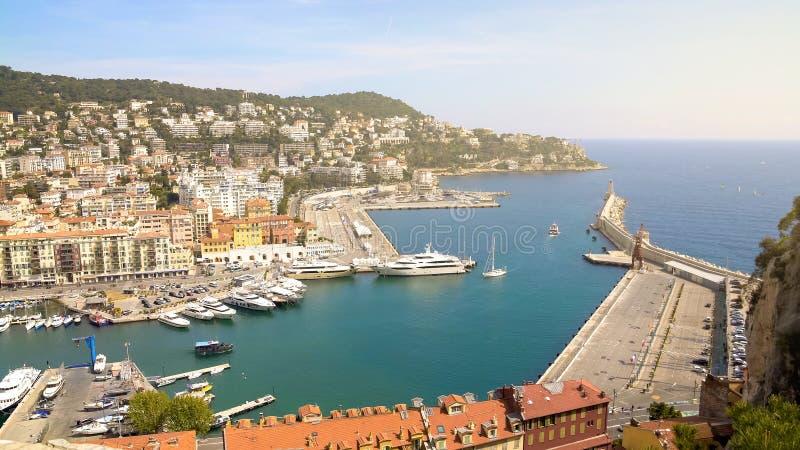 Ładny port z wiele jachtami luksusowymi łodziami i, woda transport, widok z lotu ptaka fotografia stock
