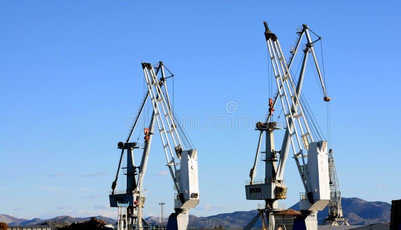 Ładunków żurawi brzeg i statek zdjęcia stock