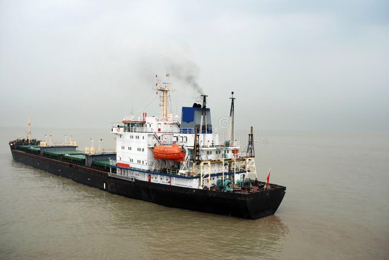 Ładunku statek na jangcy, Chiny obraz royalty free