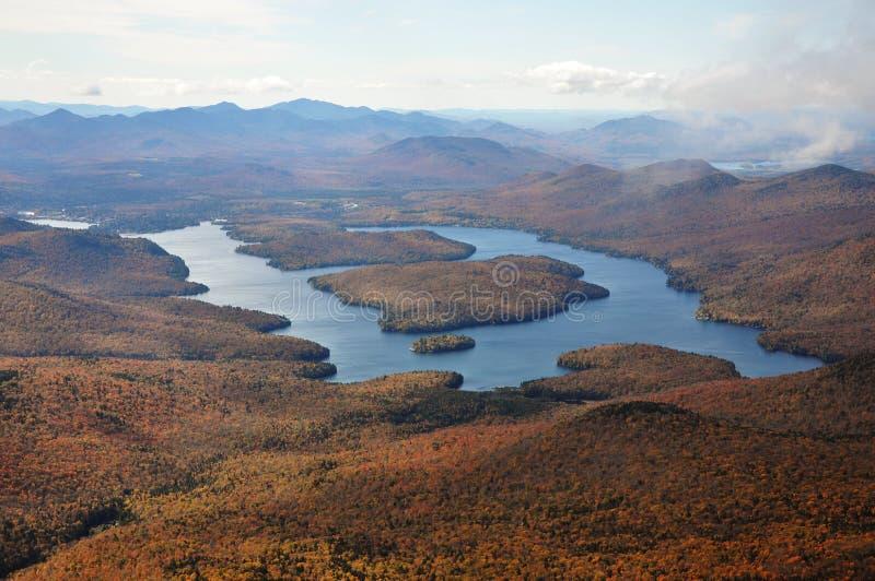 łagodny spadek jezioro zdjęcie royalty free