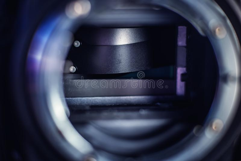 Łamana żaluzji zasłona DSLR kamera zdjęcia stock