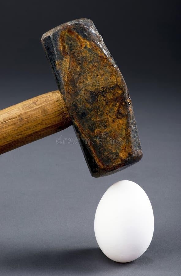 łamania jajko zdjęcie royalty free